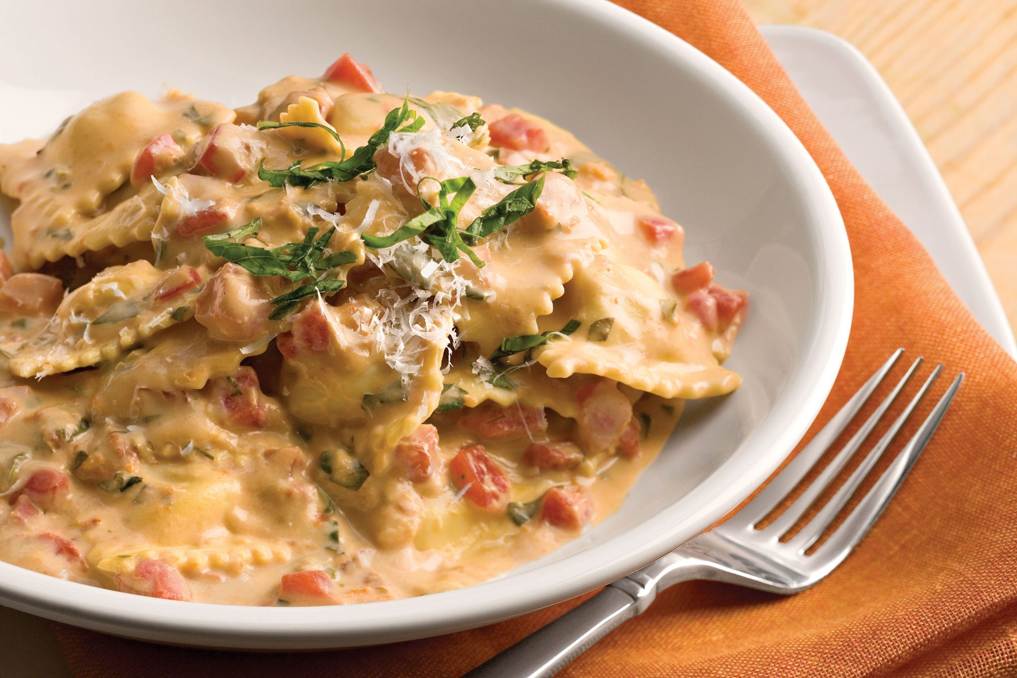 Easy Pasta Recipes: Tuscan Pasta With Tomato-Basil Cream