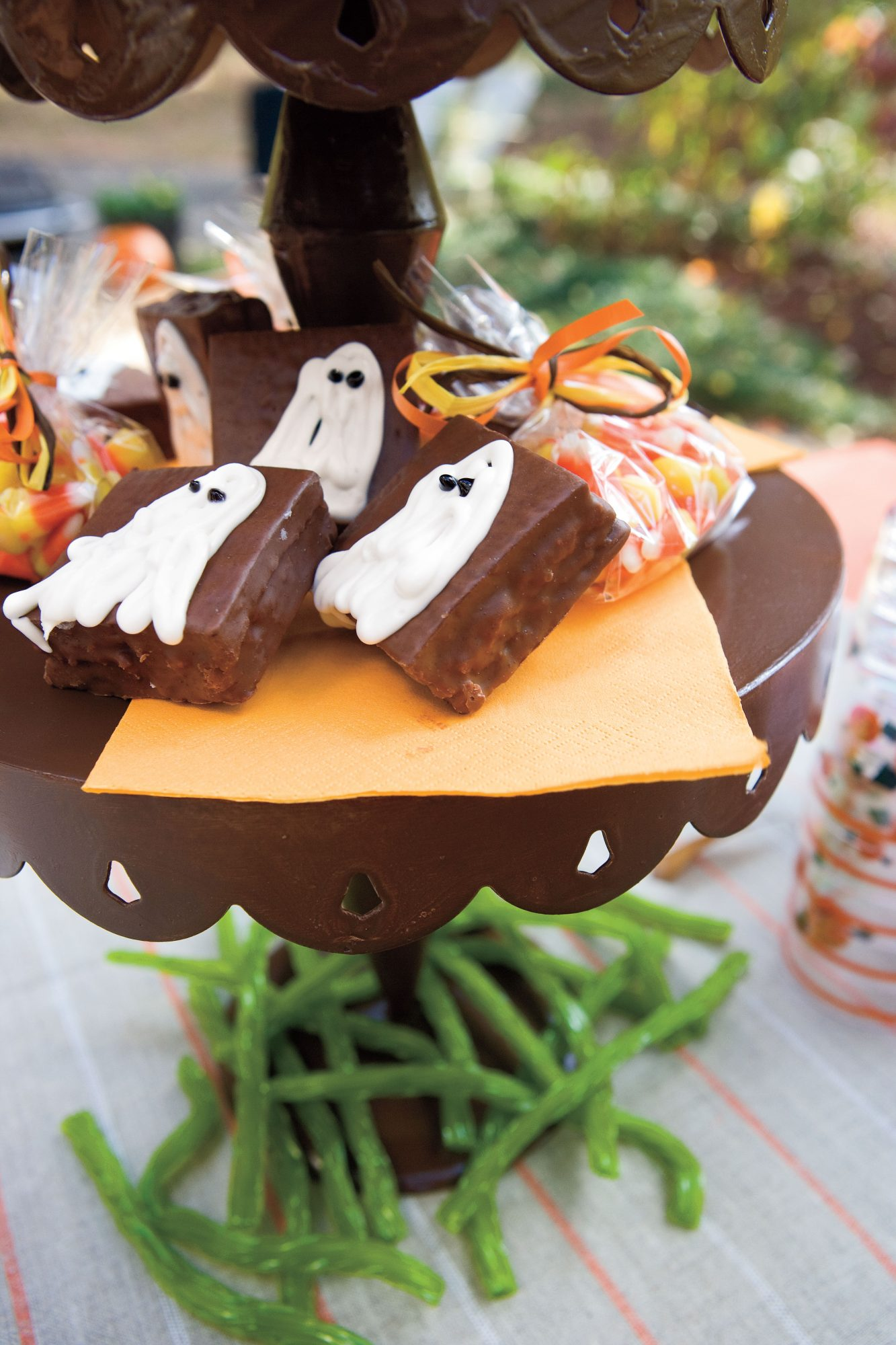 Chocolate Ghost Cakes