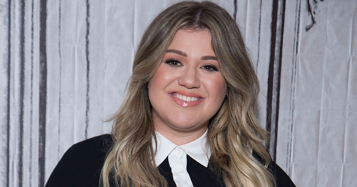 Kelly Clarkson's daughter celebrated her third birthday with a proper princess party, and we're actually kinda jealous
