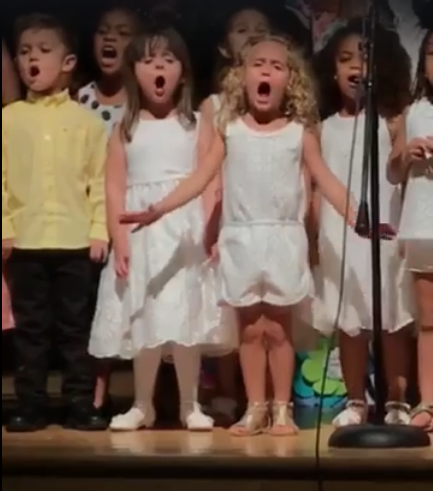 four year old sings moana