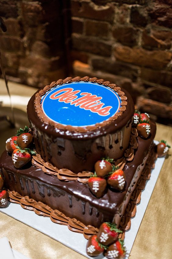 University of Mississippi Ole Miss Grooms Cake