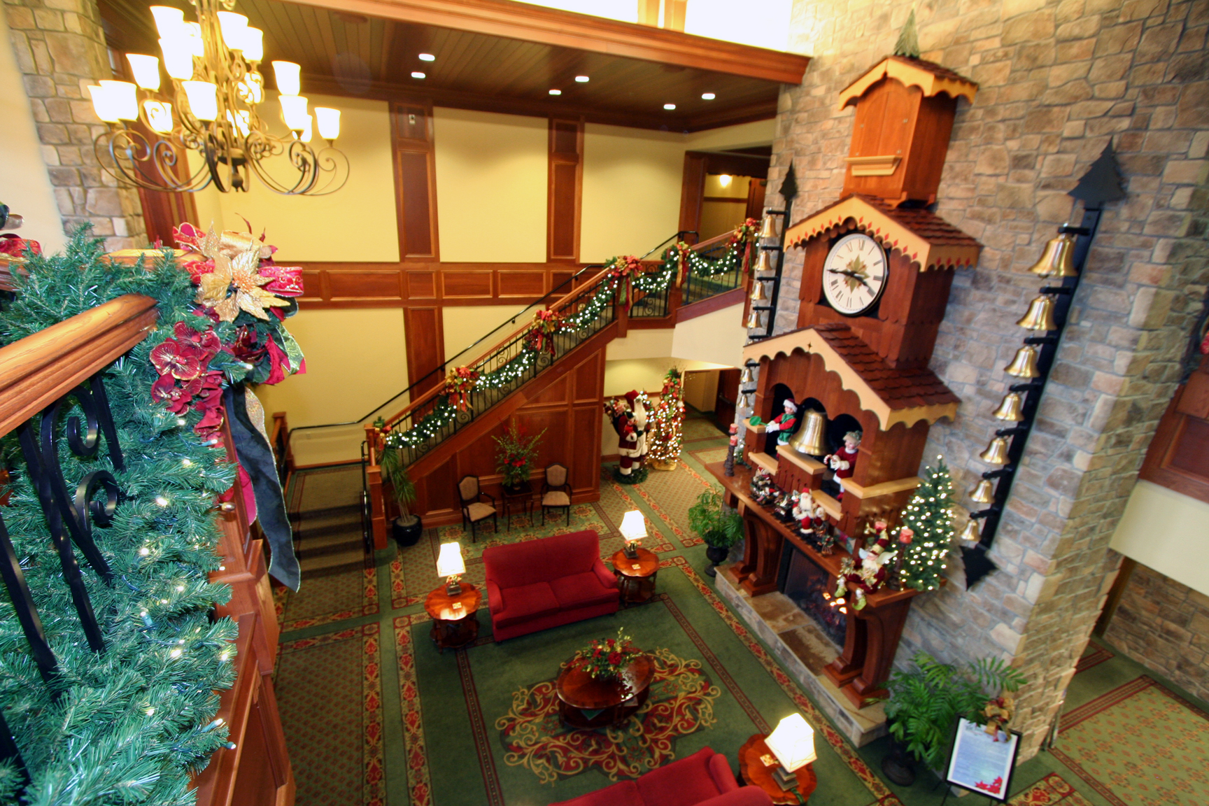 Lobby Inn at Christmas Place