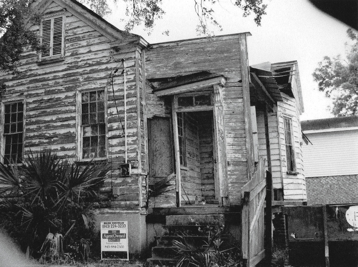 Buff Coles Charleston Cottage Before