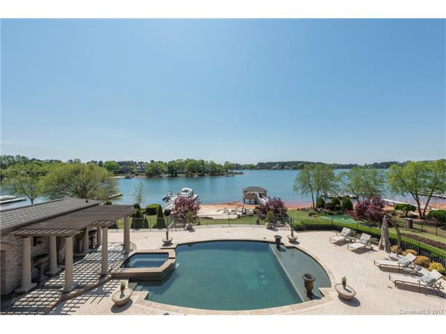 Pool or Lake? Have both!