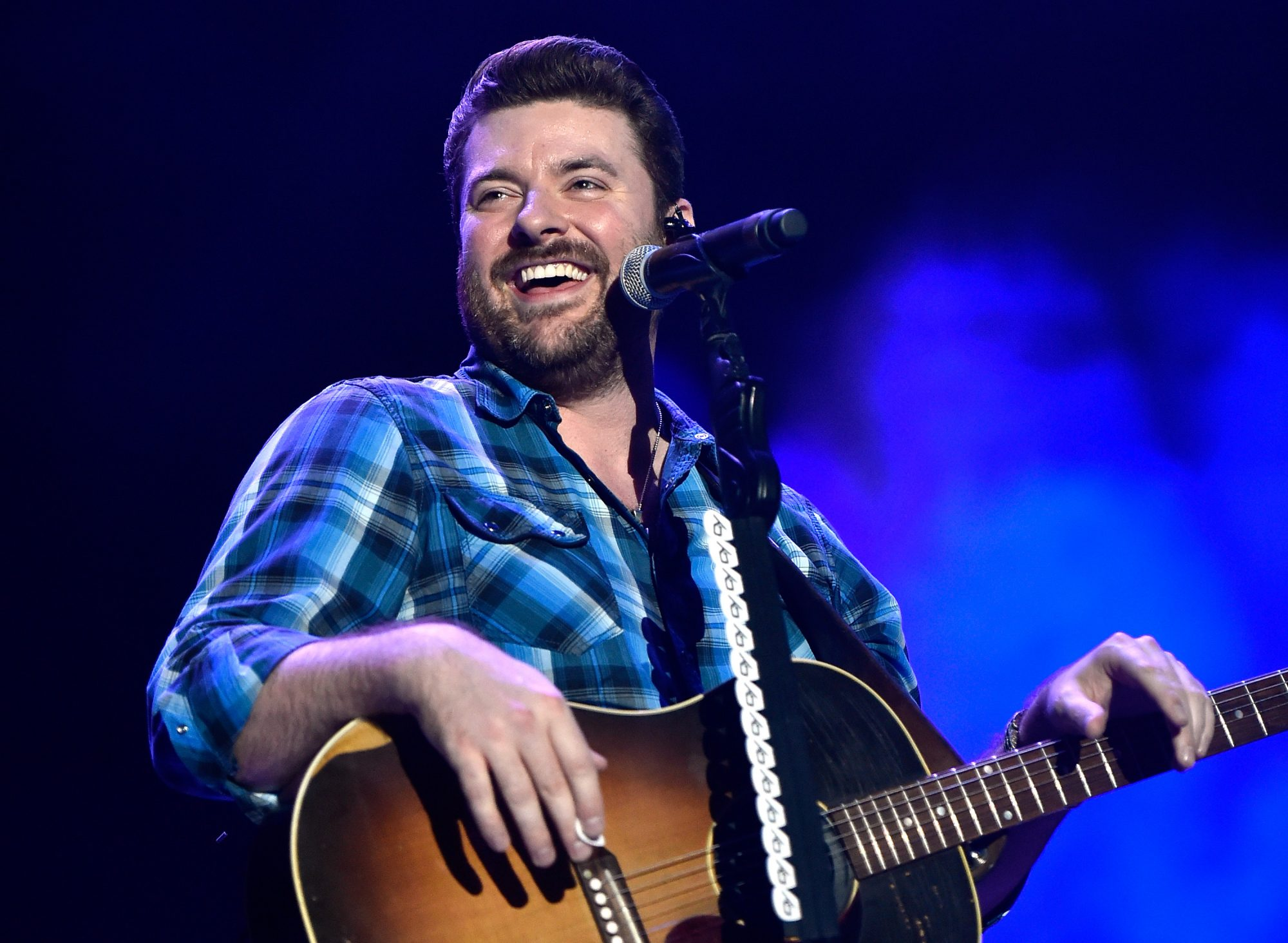 Chris Young Performing