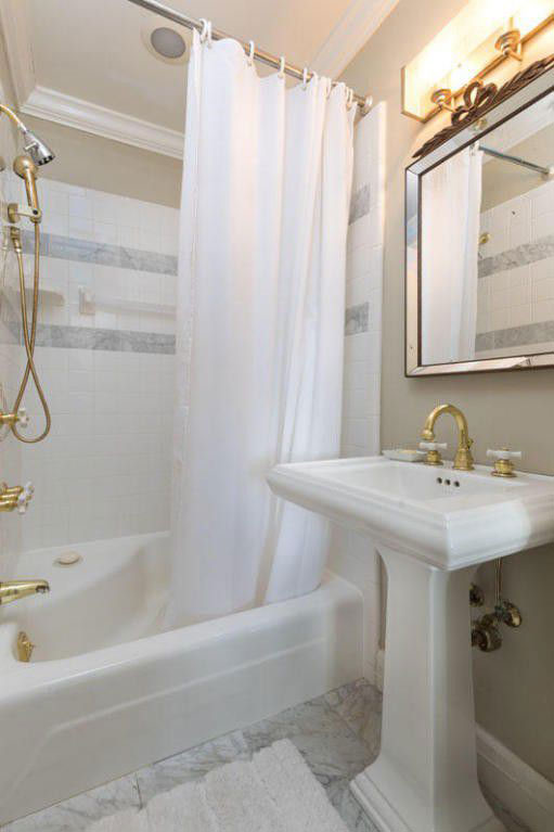 Colonial Brick Home Charleston Additional Bathroom