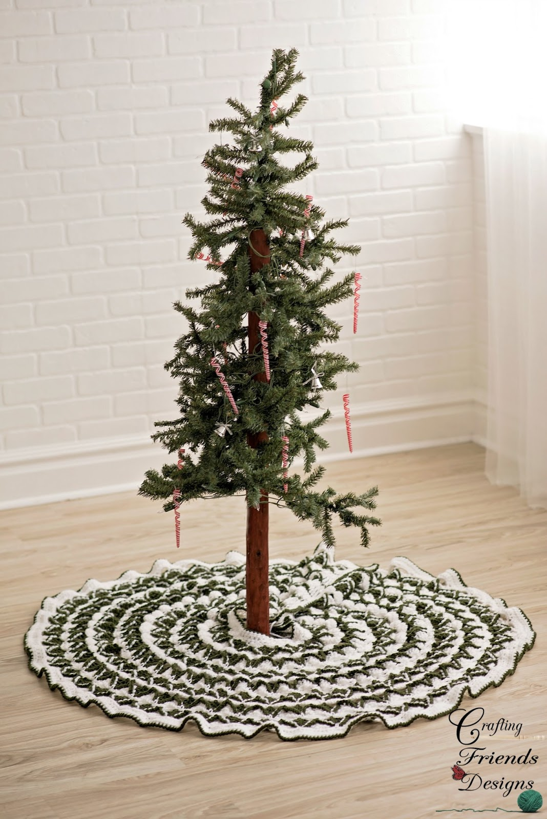 Green and White Crochet Tree Skirt