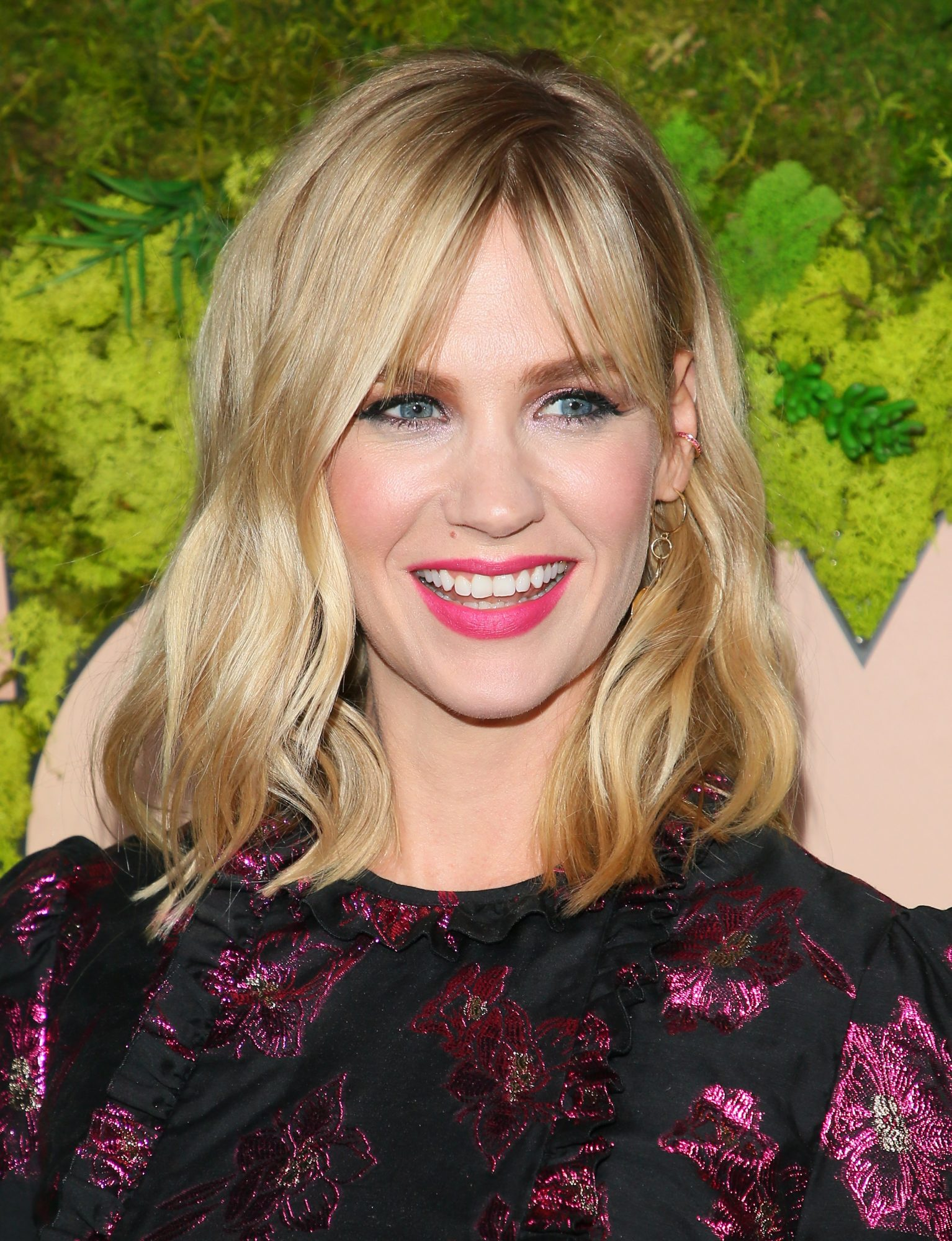 January Jones's Shaggy Bangs
