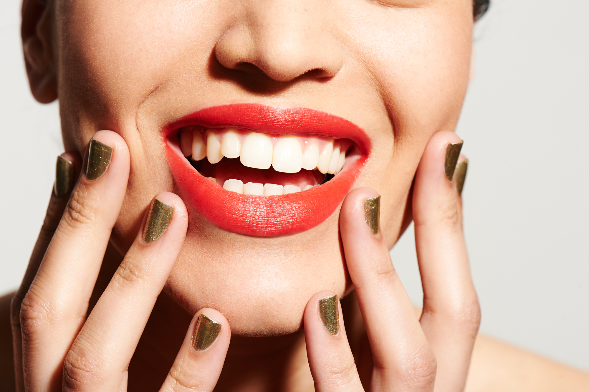 This Might Be the Cheapest Way to Whiten Your Teeth Ever