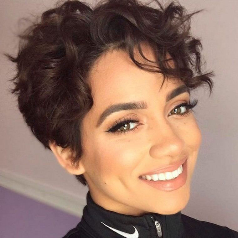 Short hair cuts for women with curly hair