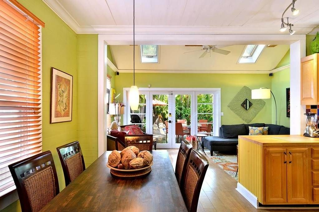 Tiny Colorful Key West Rental Dining