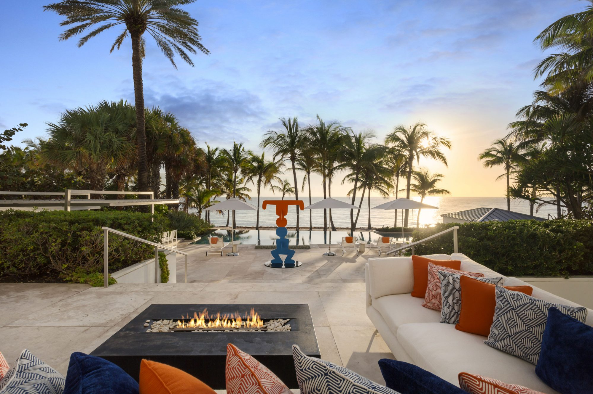 Tommy Hilfiger Mansion Outdoor Living
