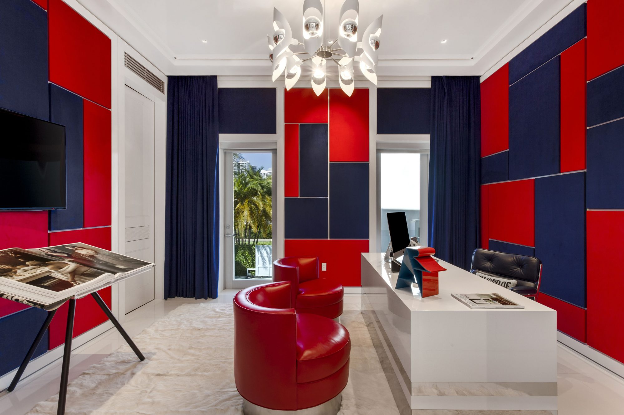 Tommy Hilfiger Mansion Office