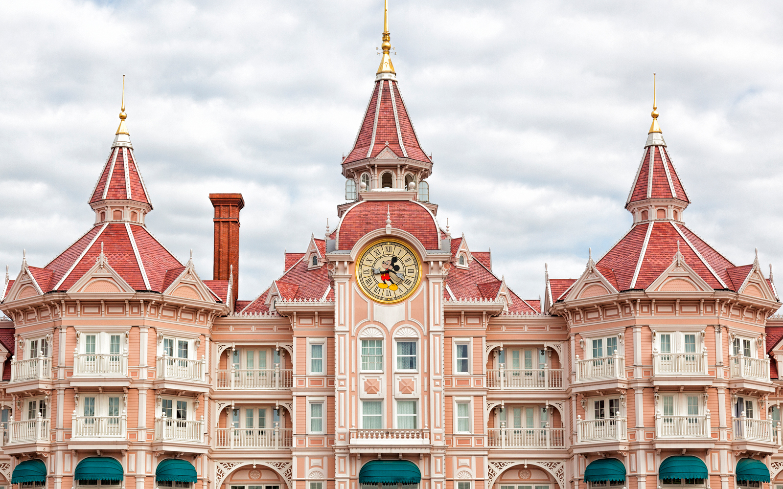 Disneyland hotel, Paris