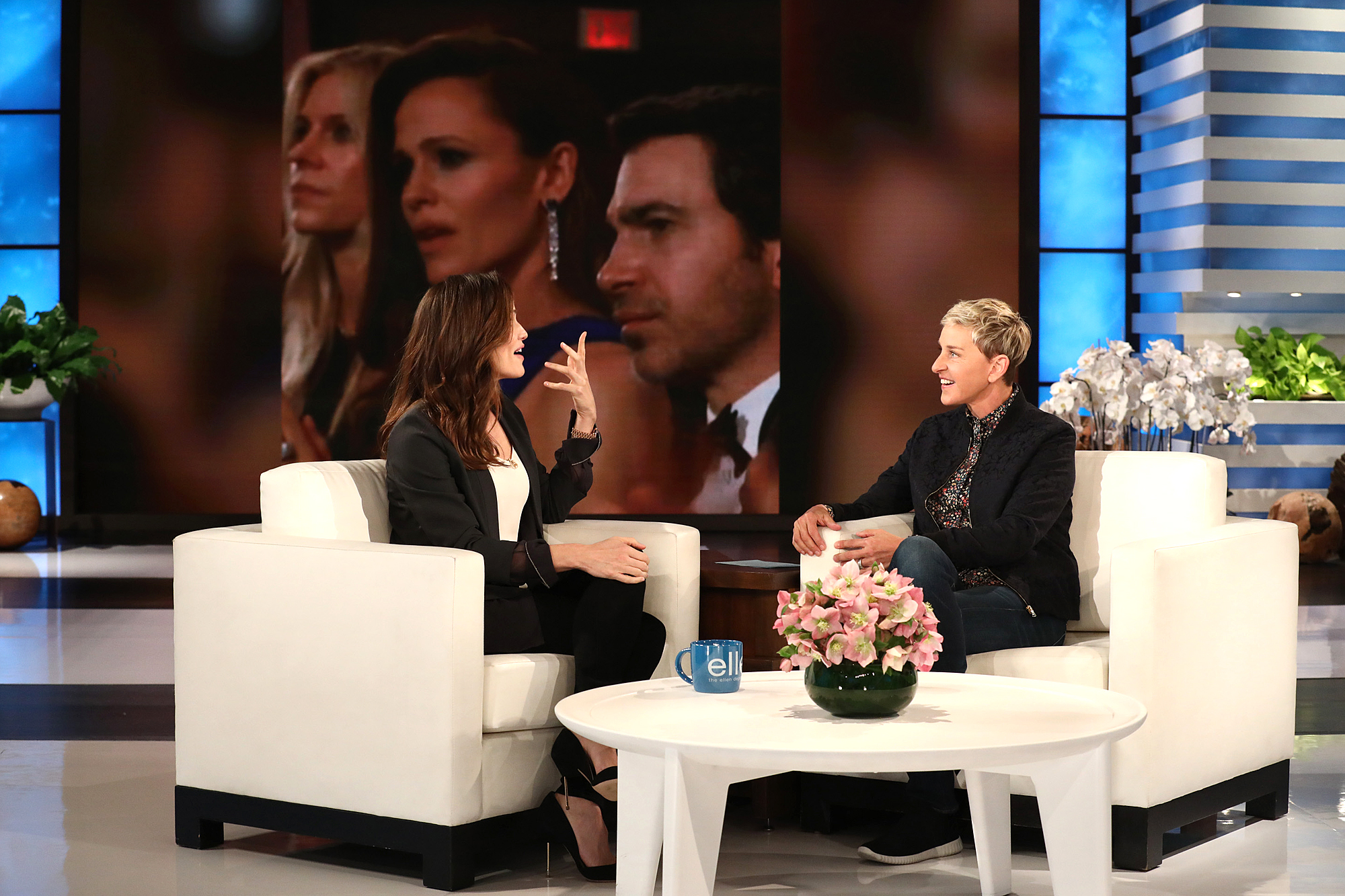 Jennifer Garner Says She Was Embarrassed by Her Viral Oscars Moment: 'What's Wrong with Me?' garner-ellen-1-2000
