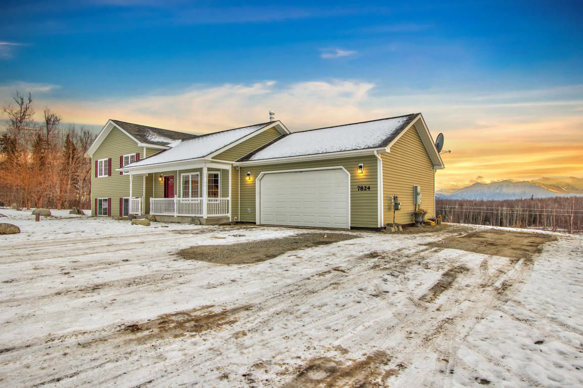 This Is the Hottest Real Estate Listing in Every State. Nearly All Have One Thing in Common 180328-most-coveted-house-each-state-alaska