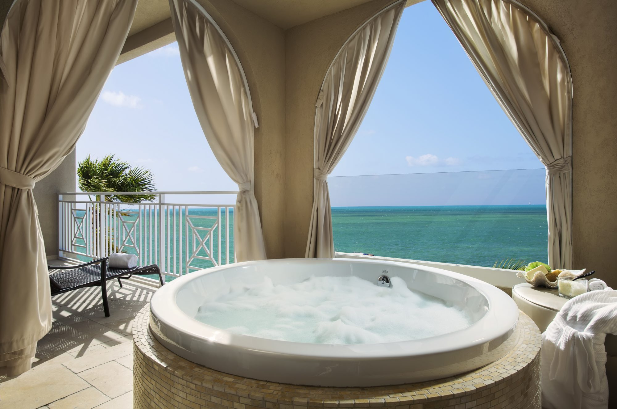 Cheeca Lodge and Spa Oceanfront Balcony and Tub with View