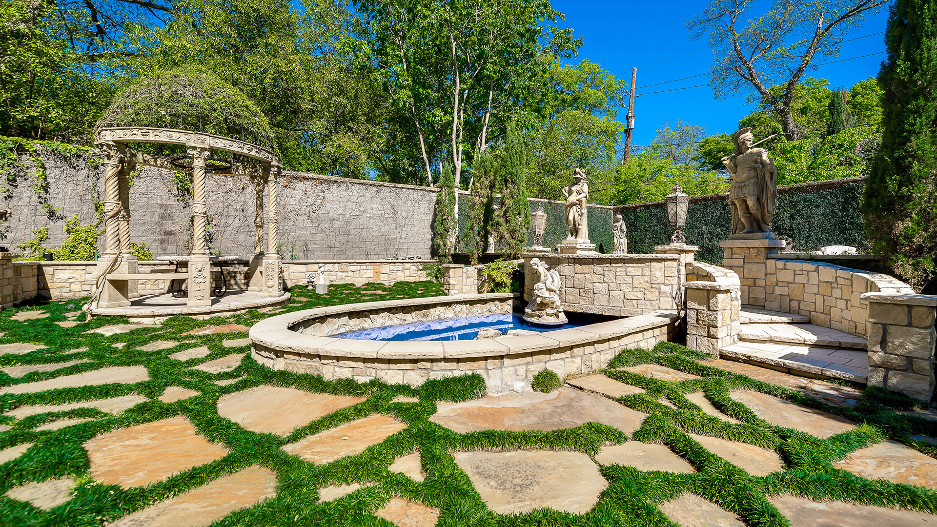 Southern Living Dallas Chateau Des Grotteaux Grotto