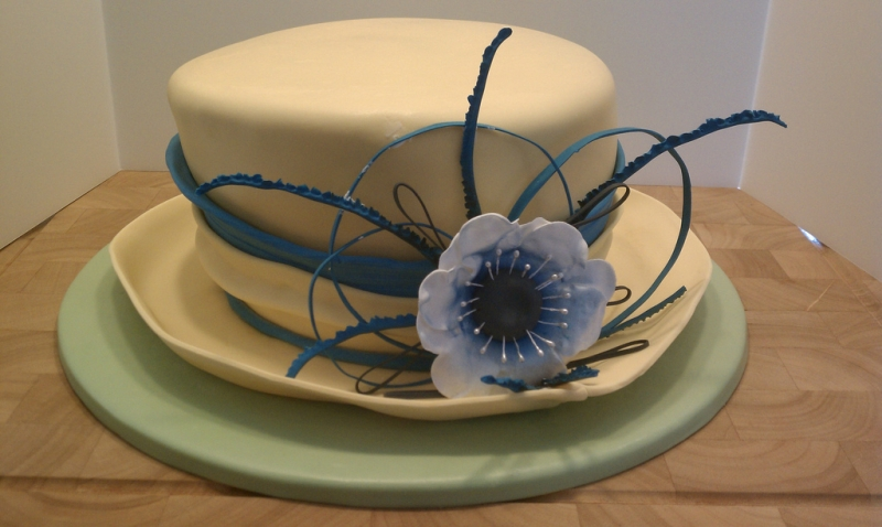 Classic Derby Hat Cake