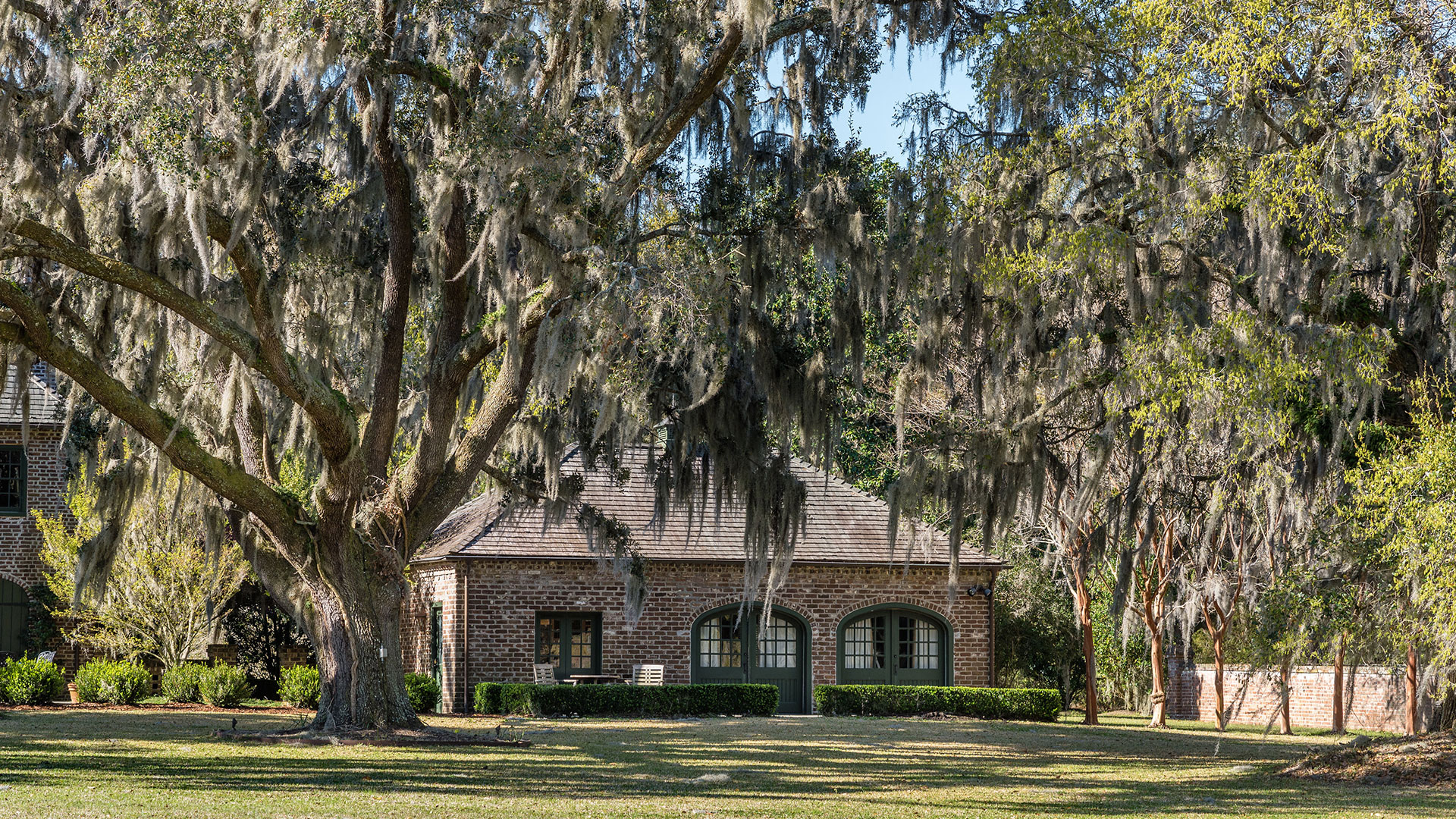 Southern Living Fenwick Hall Plantation Guest House 9