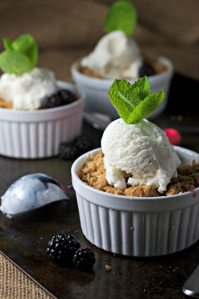 Apple Blackberry Crisp