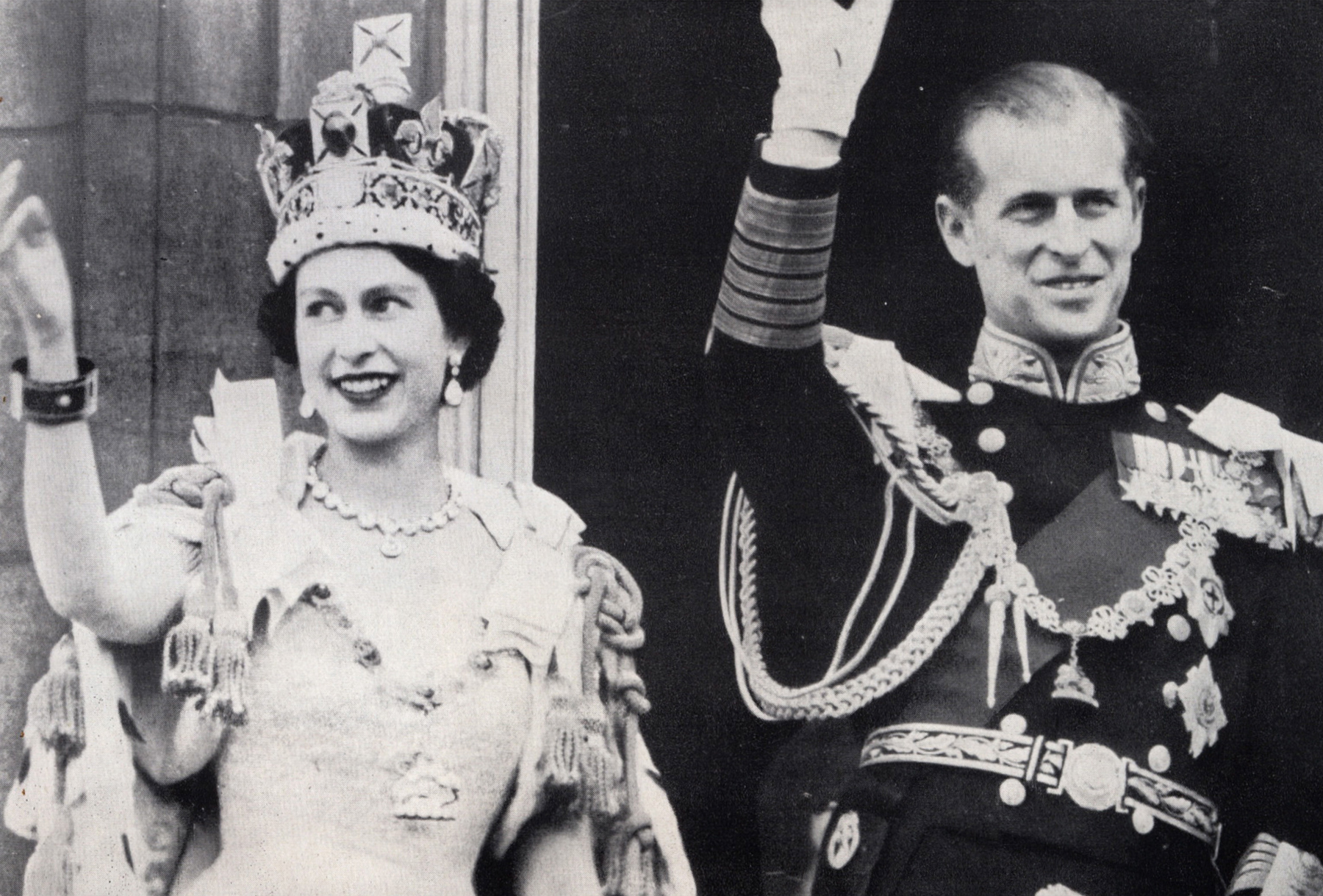 The Crown! The Crowd! Remembering Queen Elizabeth's Coronation 65 Years Ago 05-queen