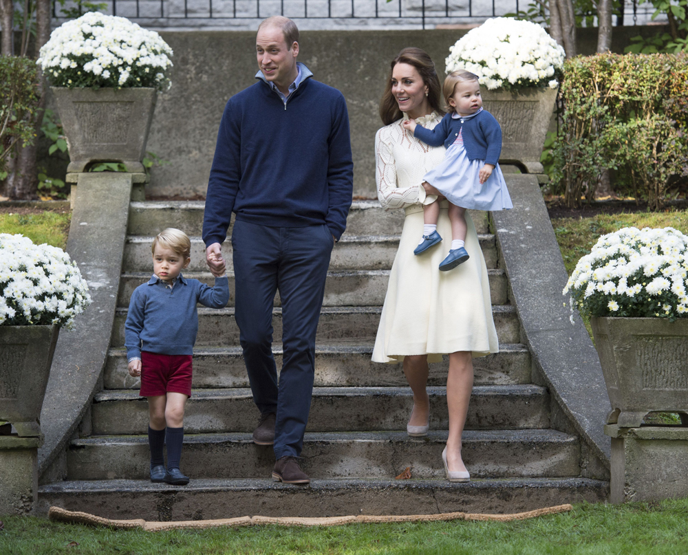 This is why Kate Middleton will never wear wedges around the Queen kate1-1