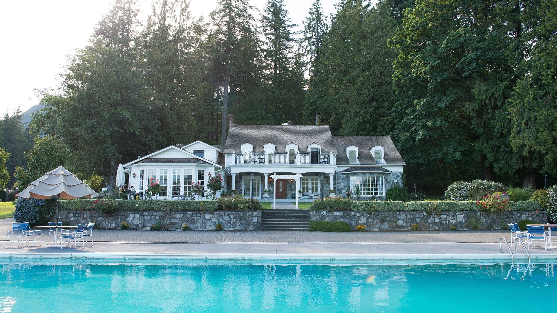 You Can Stay at This Beautiful Hotel Where 5 Hallmark