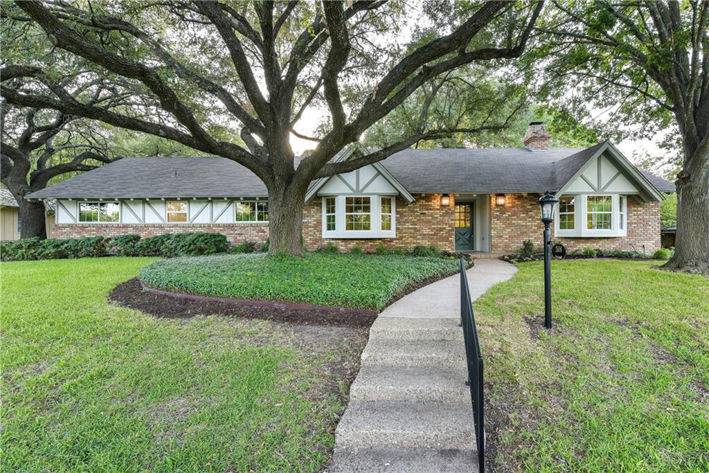 A Joanna Gaines-designed Home Just Hit the Market in Waco for $529,000: See Inside! joanna-gaines-designed-house-for-sale-waco-fixer-upper