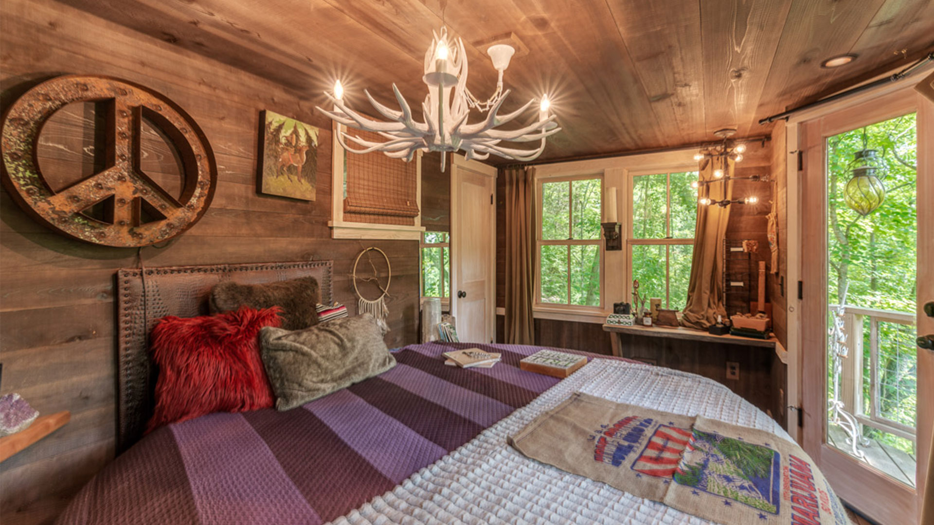 Brian Kelley Compound Treehouse Bedroom