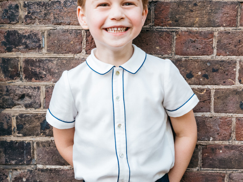 Prince George's Not-So-Shy Birthday Photo Is Here — See How It Compares to His 4 Past Portraits! prince-george1