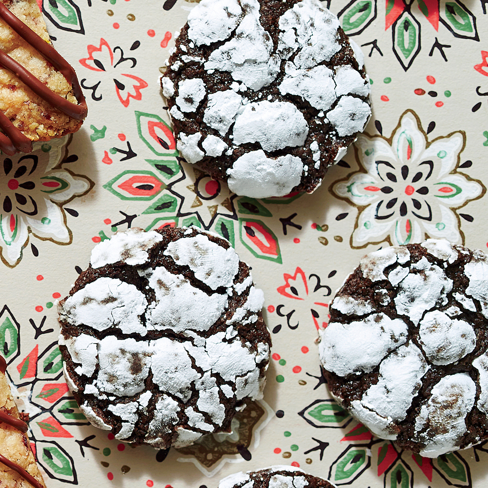 Chocolate-Peppermint Crackle Cookies Recipe Southern Living
