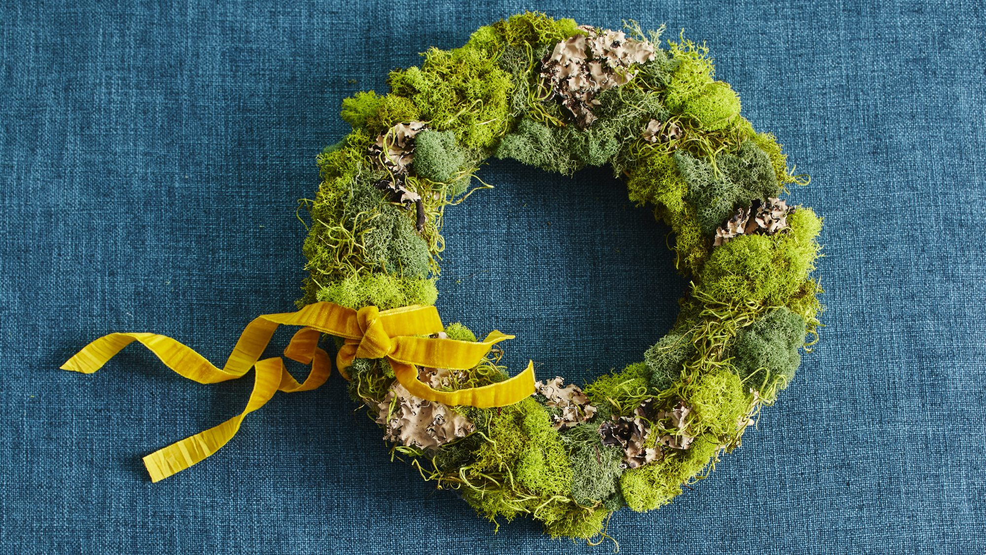 Bright Moss Wreaths