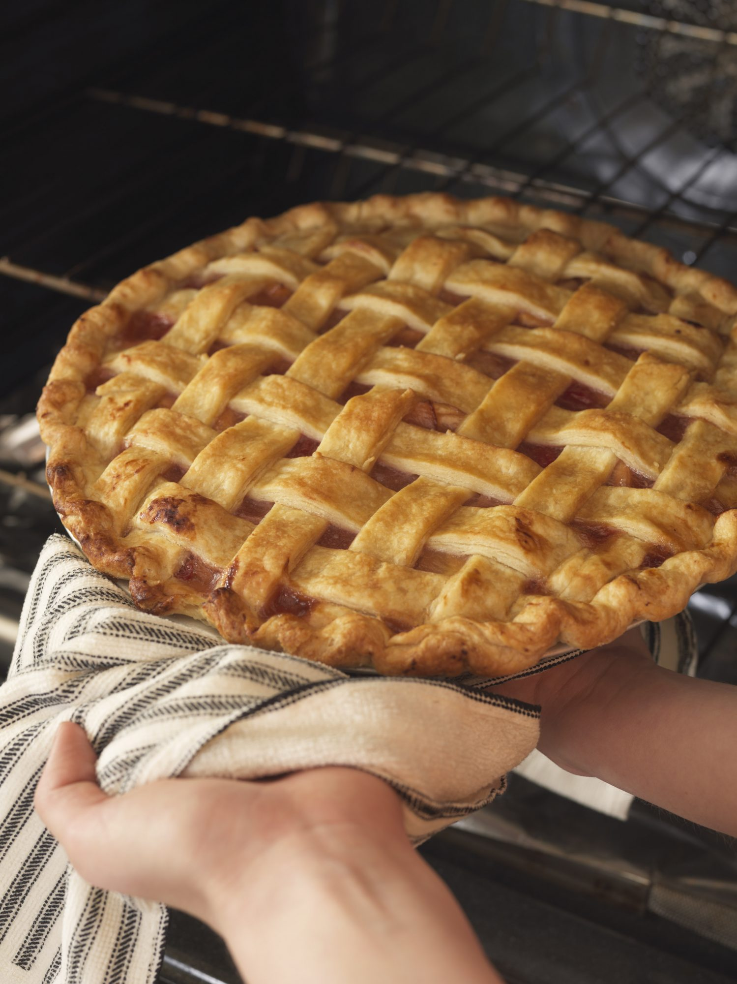 Lattice Apple Pie Oven