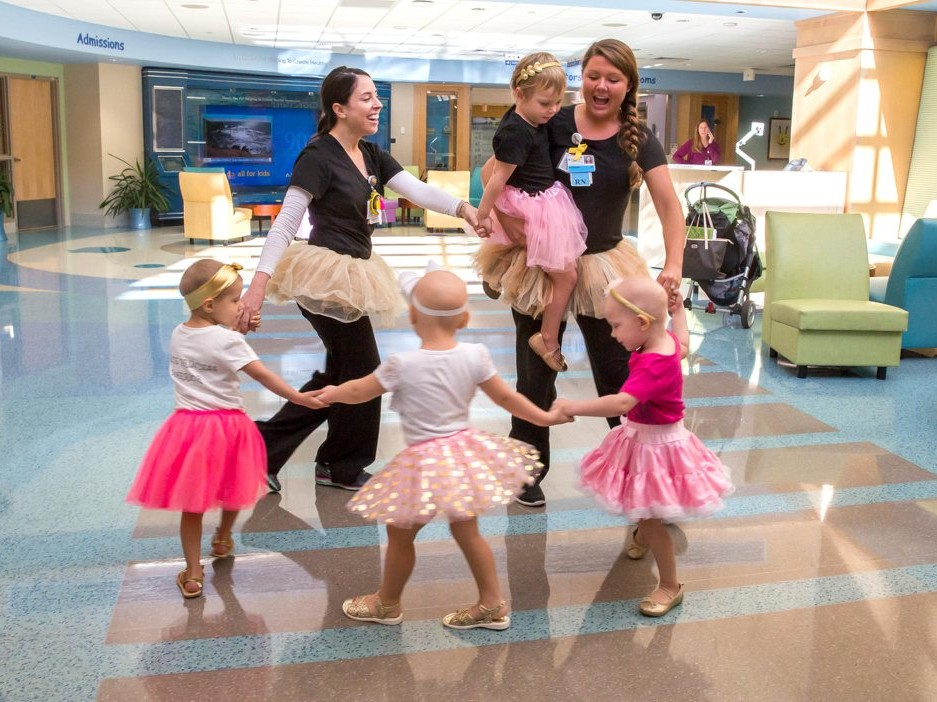 Four Girls Reunite After They Beat Cancer Together at the Same Hospital: 'It's Amazing to See' little-girls-who-beat-cancer6