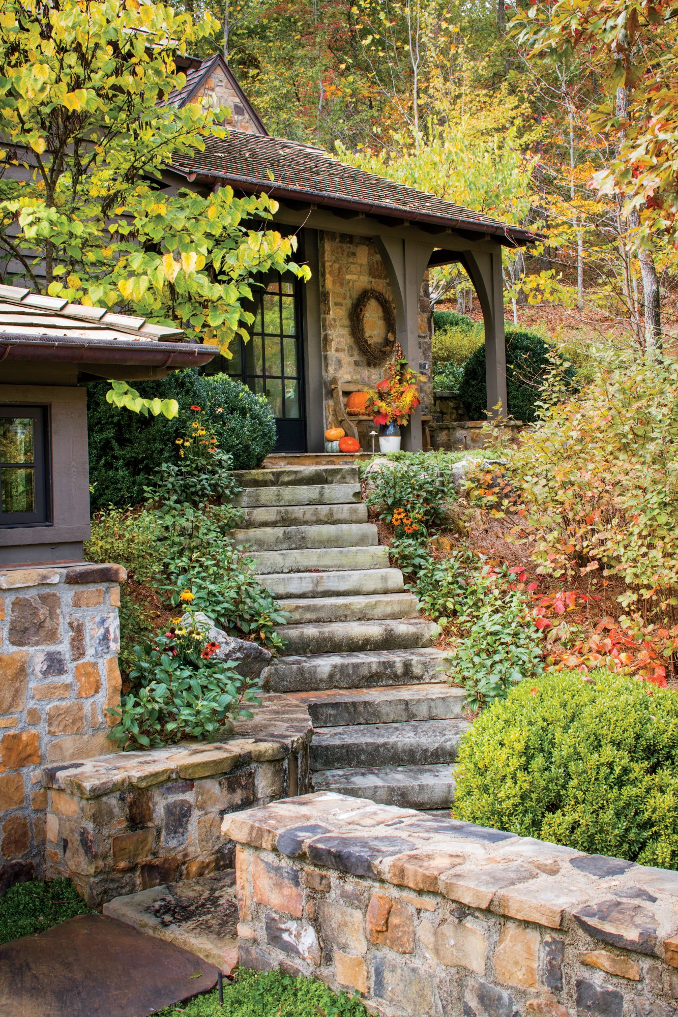 Sara Hedstrom Pinnell Walland, TN Cabin with Fall Color
