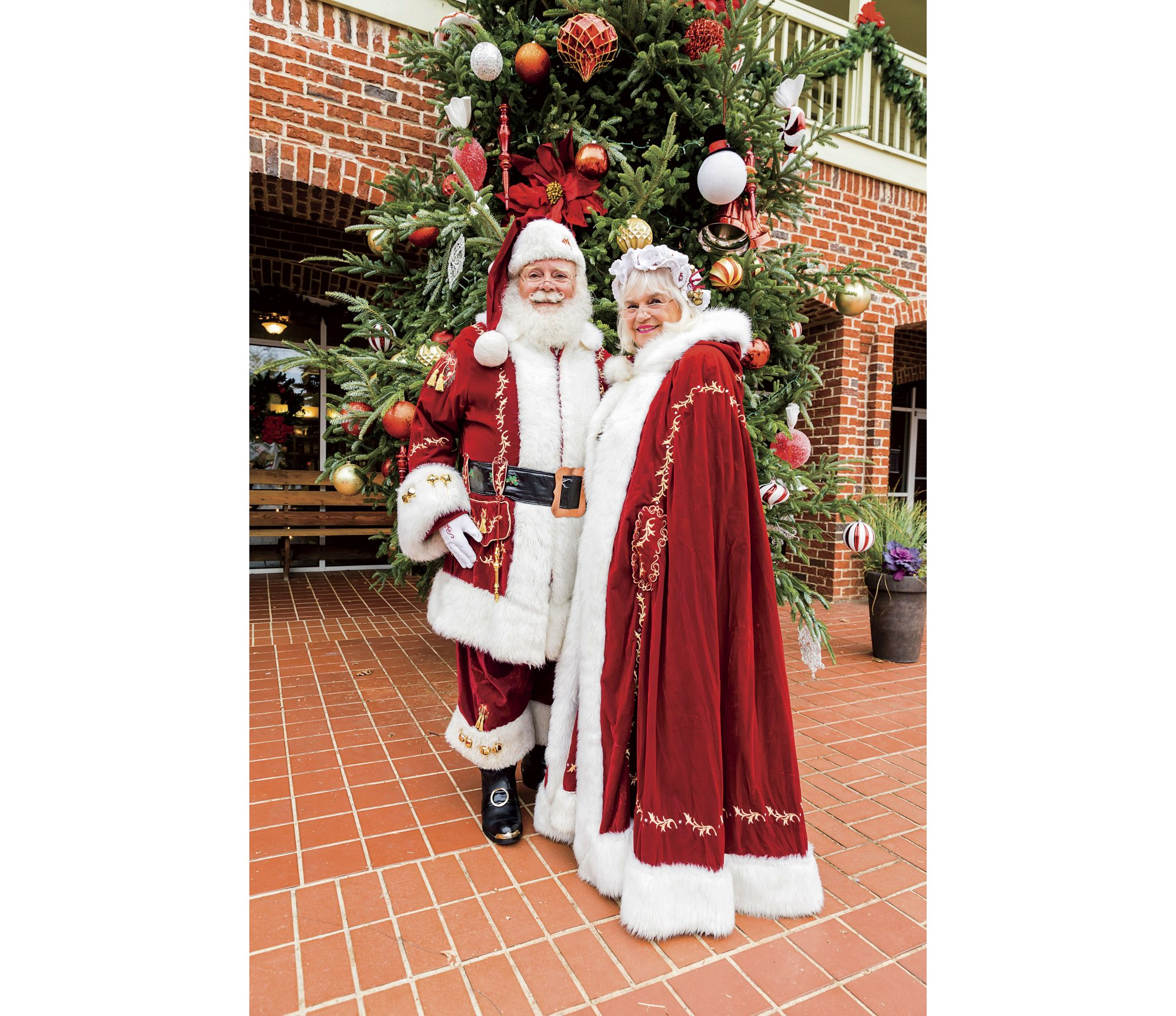 Mr. and Mrs. Claus in Dahlonega, GA