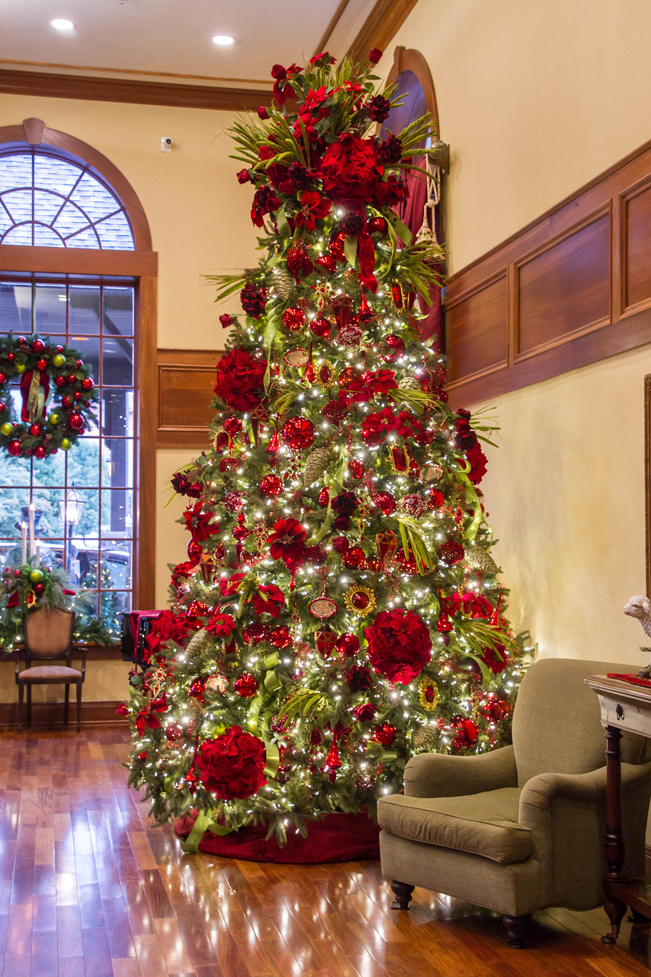 Inside the Tennessee Resort Where It's Christmas All Year Round christmas-hotel-tree