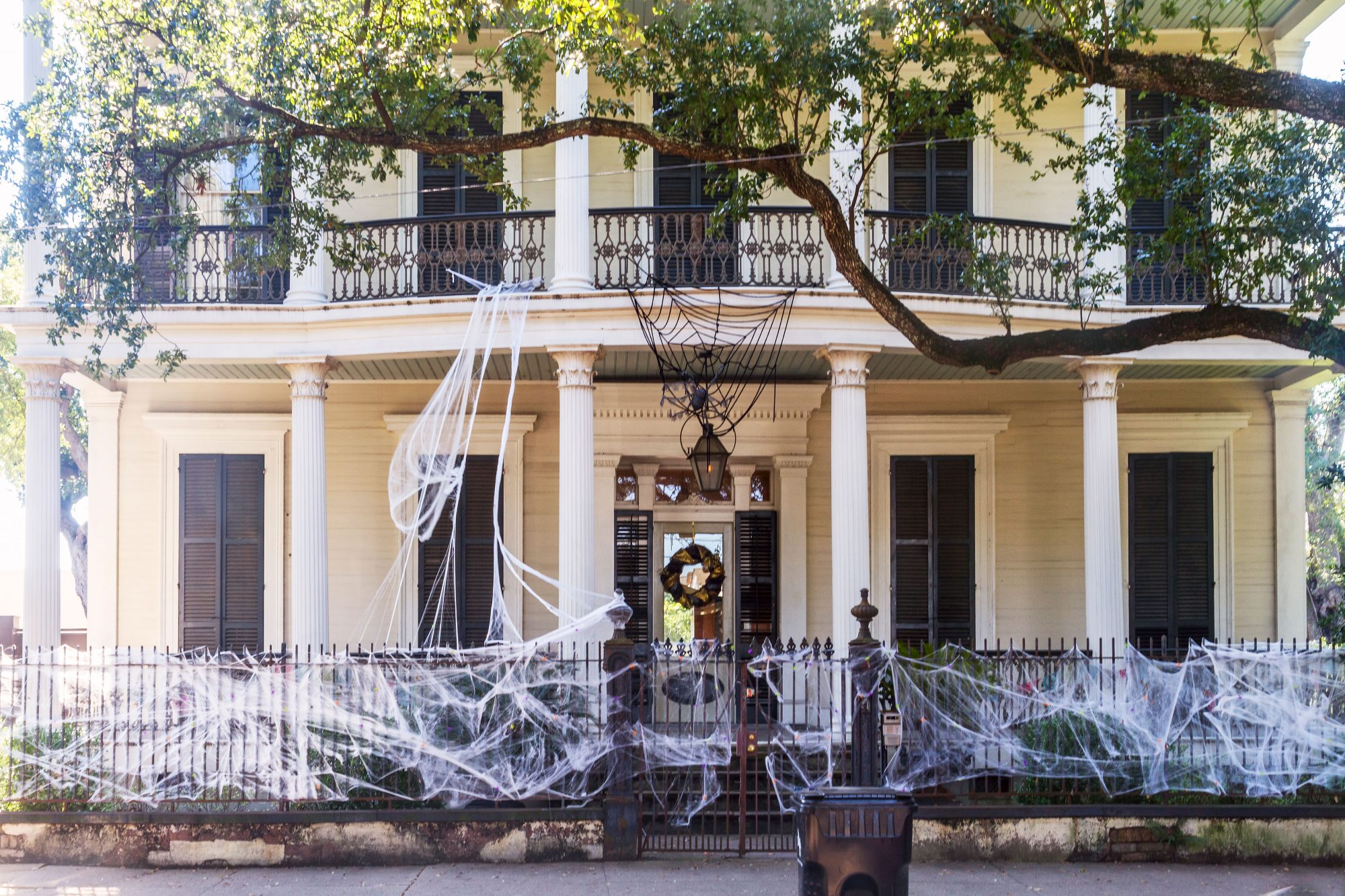 NOLA Garden District Mansion for Halloween