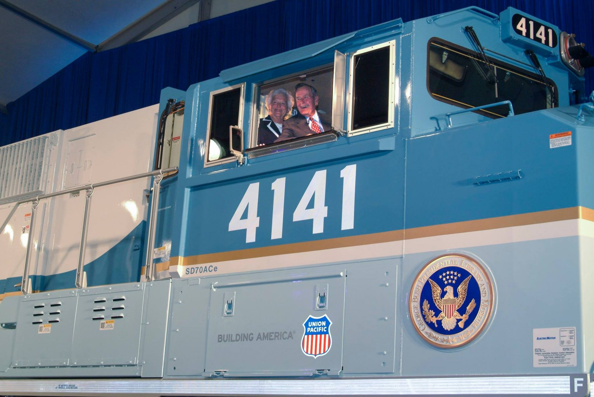 Union Pacific 4141 George Bush