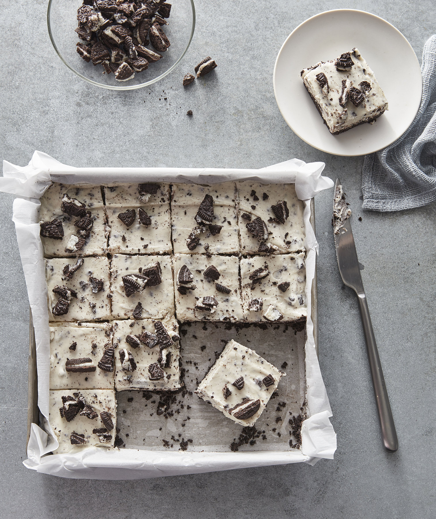 No-Bake Cookies and Cream Bars