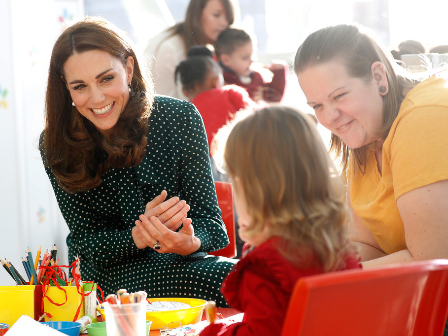 Prince William Jokes That 5-Year-Old Prince George 'Knows I'm Useless' at This Holiday Task kate-middleton-72