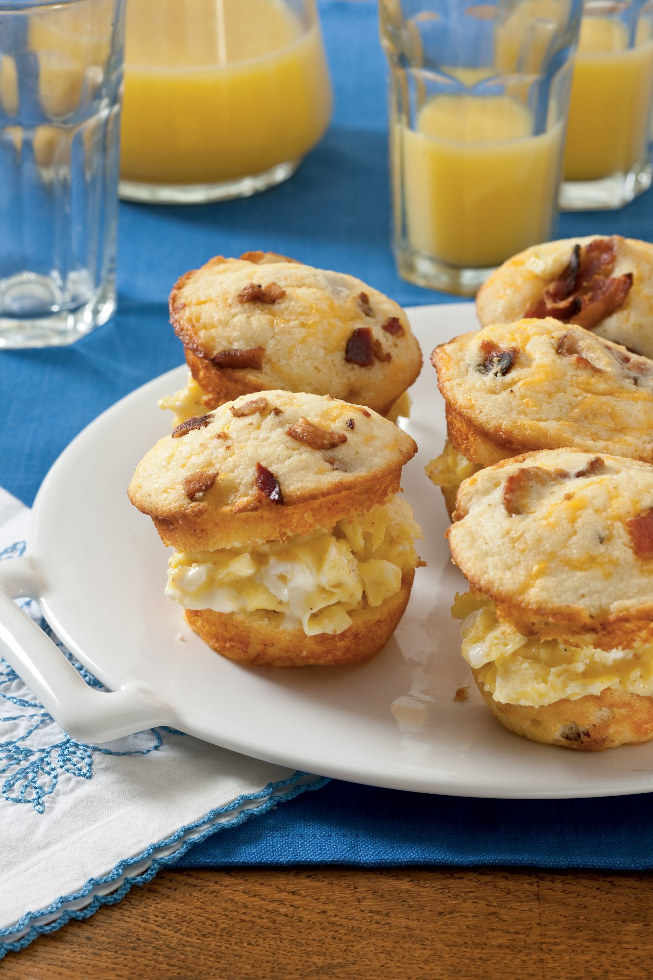 Scrambled Egg Muffin Sliders