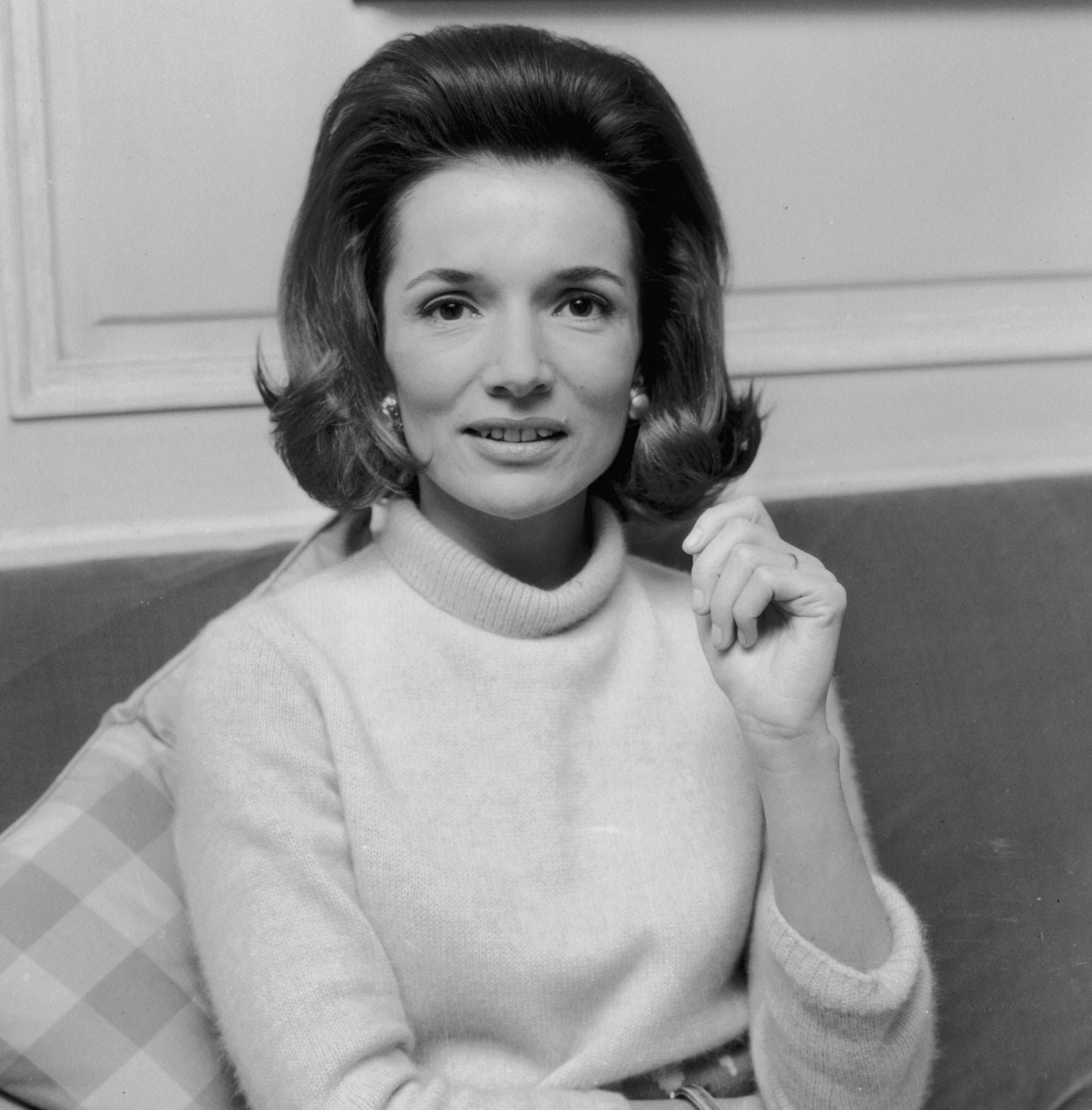 Lee Radziwill, Jackie Kennedy's Younger Sister, Dies at 85: Reports