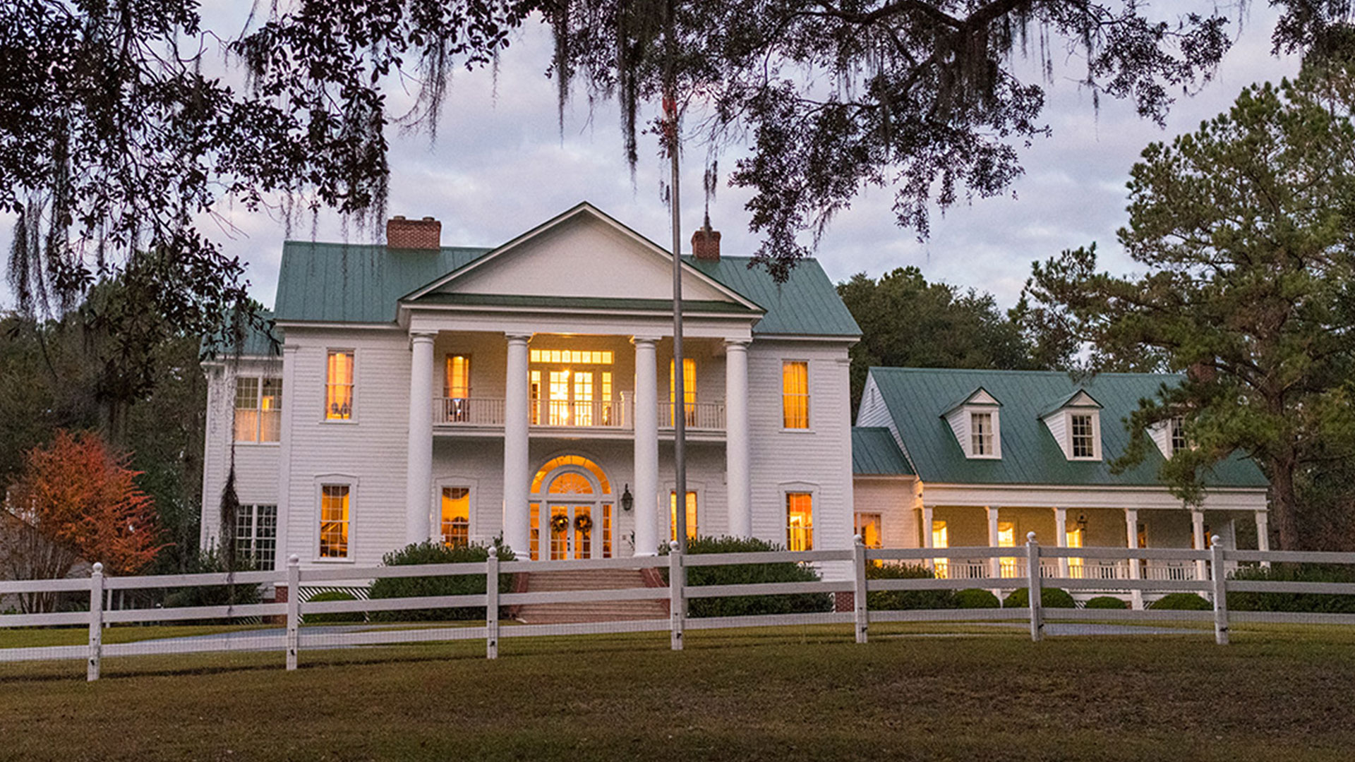 Oak Hill Plantation Nighttime