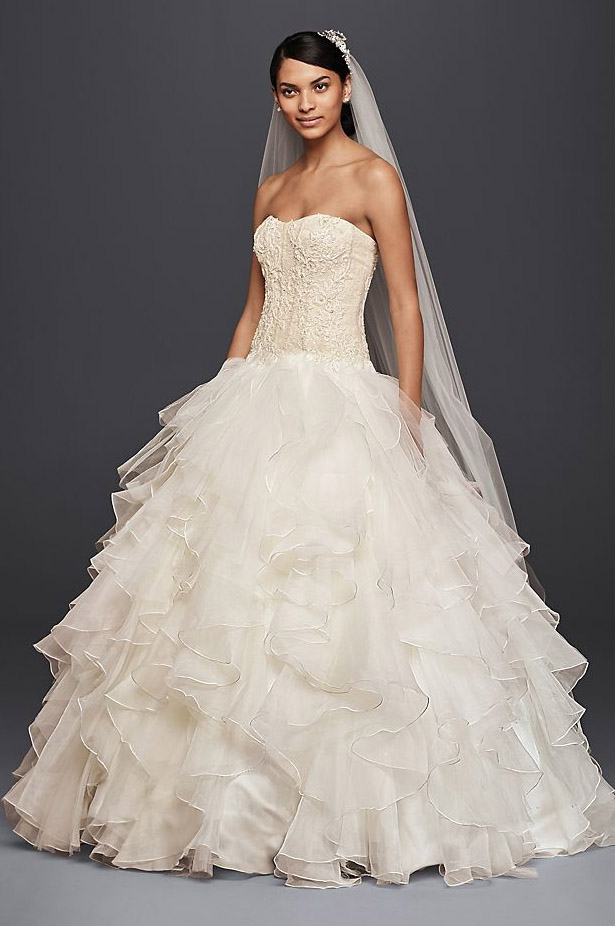 Strapless Ruffled Skirt Wedding Dress
