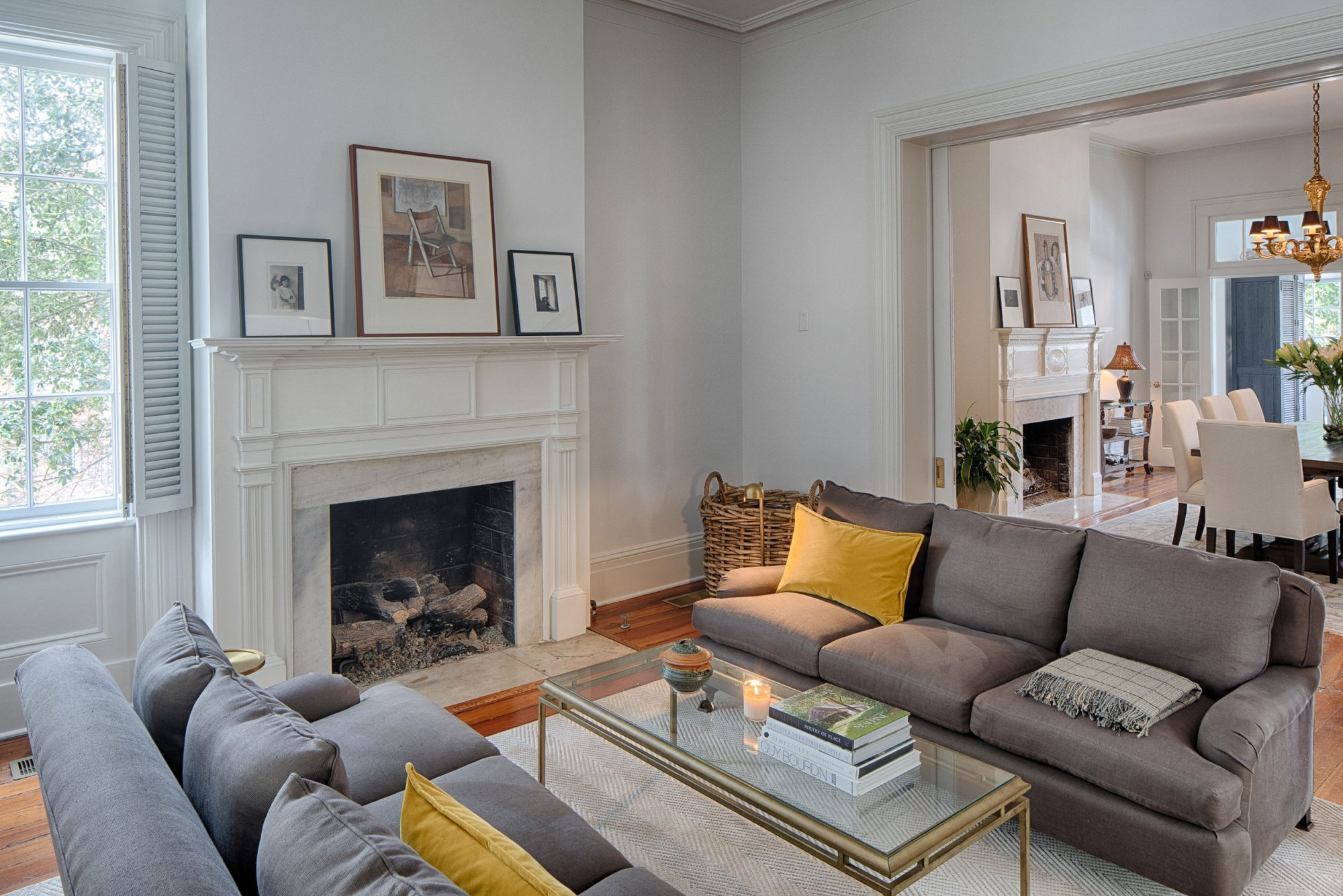 Take A Look Inside One Of Savannah Rsquo S Most Elegant Historic Homes Southern Living