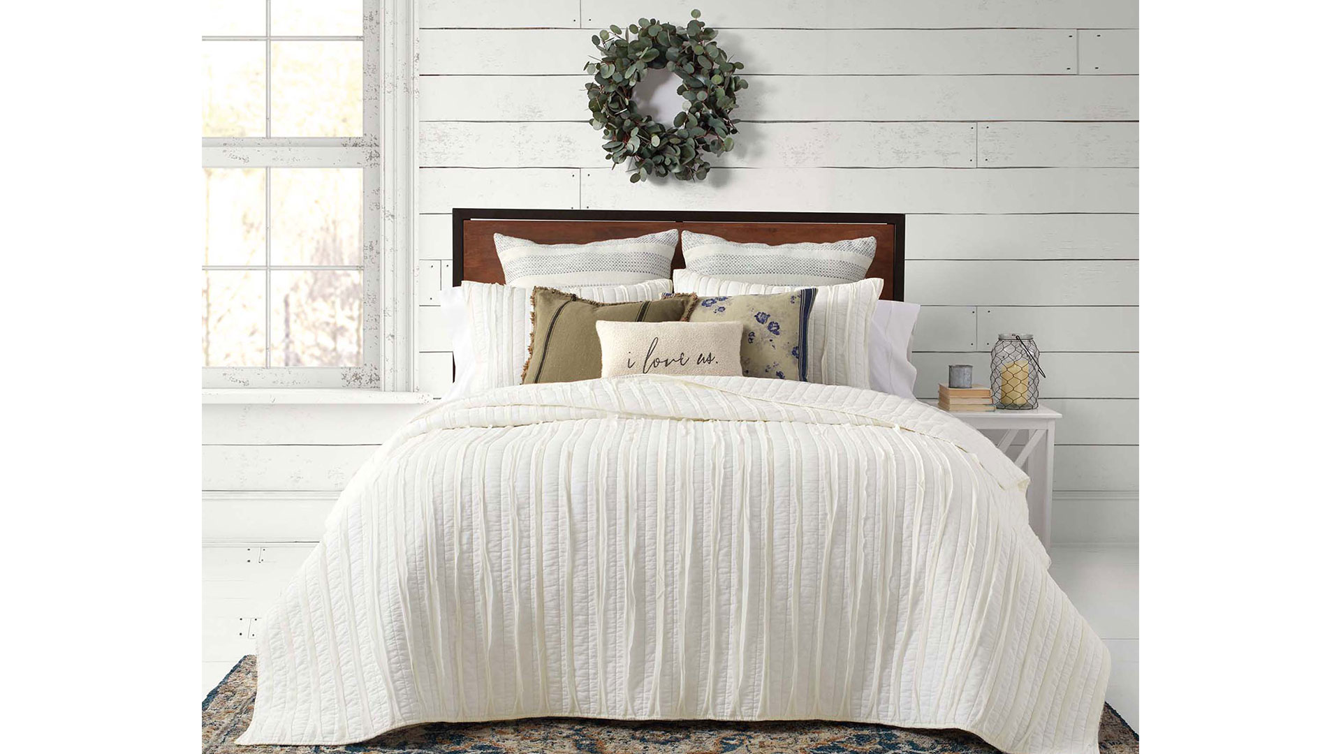 Bed Bath & Beyond Bee & Willow Ruffled Quilt