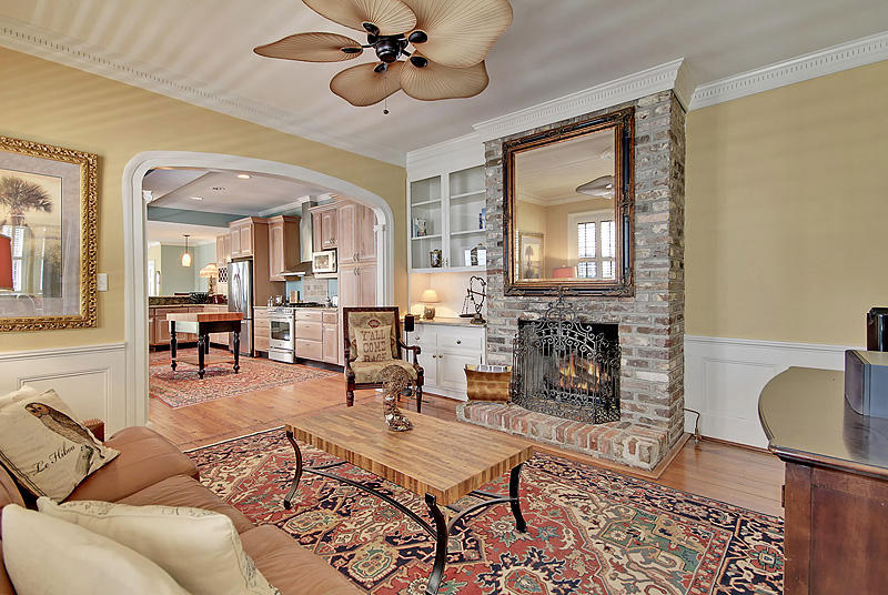 188 Wentworth Family Room