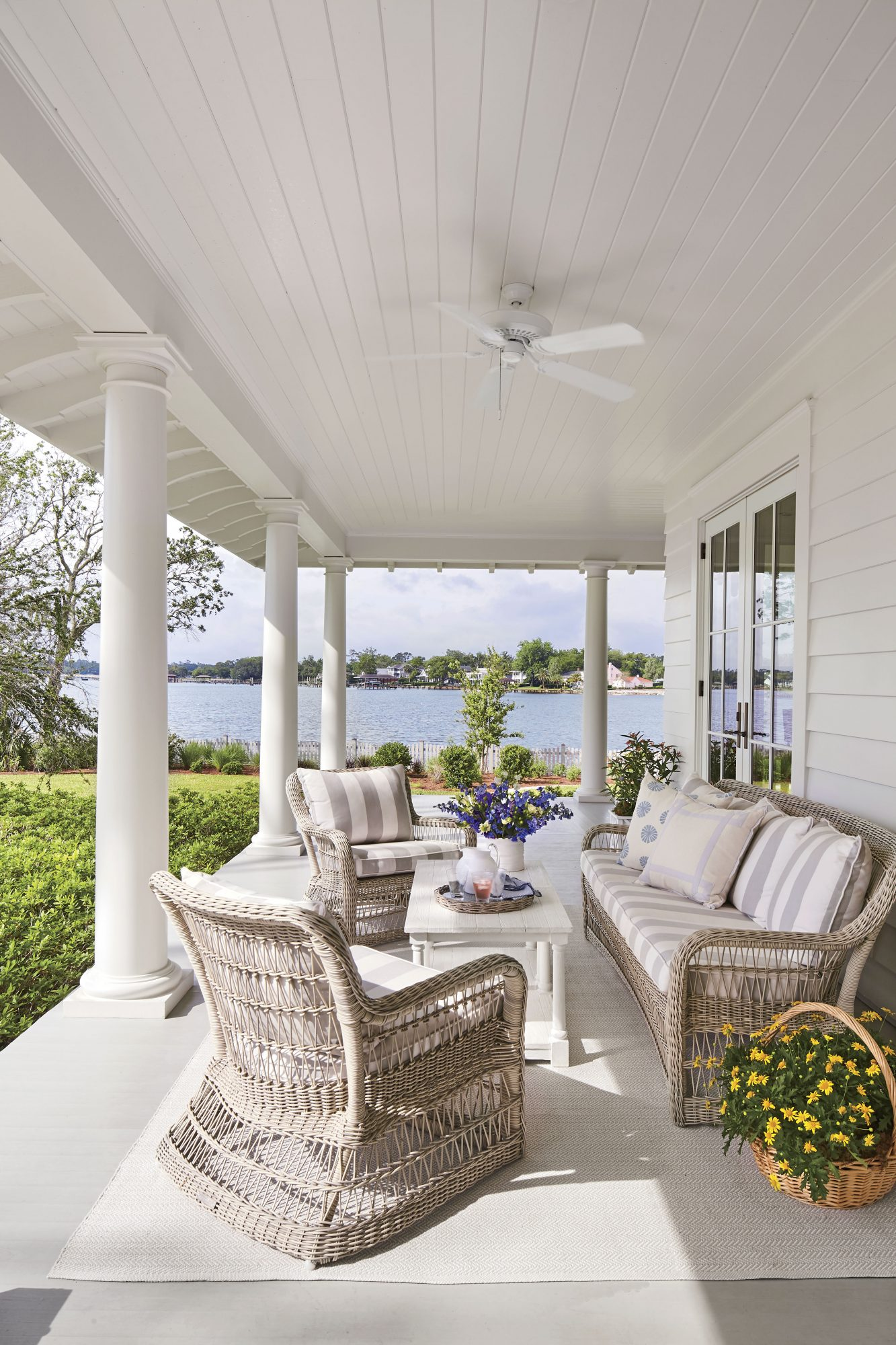 Wrap Around Porch for New Old House in Jacksonville, FL